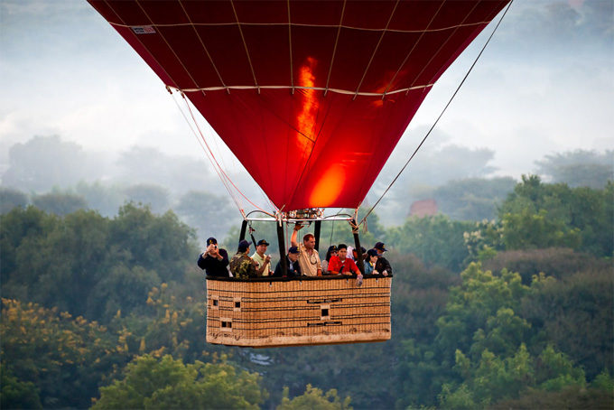 Hot-air Balloons over Bagan Myanmar (source: internet)