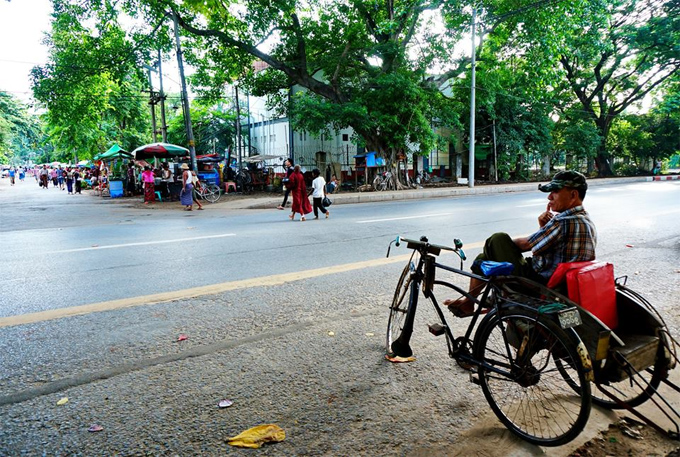A tricycle is waiting for passnger in Yangon