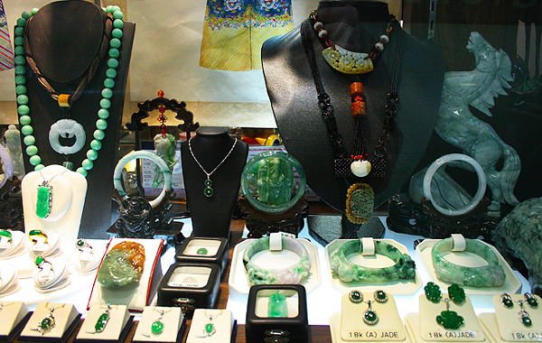 Jade in Yangon - Things to buy as souvenir!