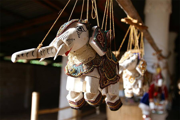 Puppet is also what to buy as souvenir from Myanmar