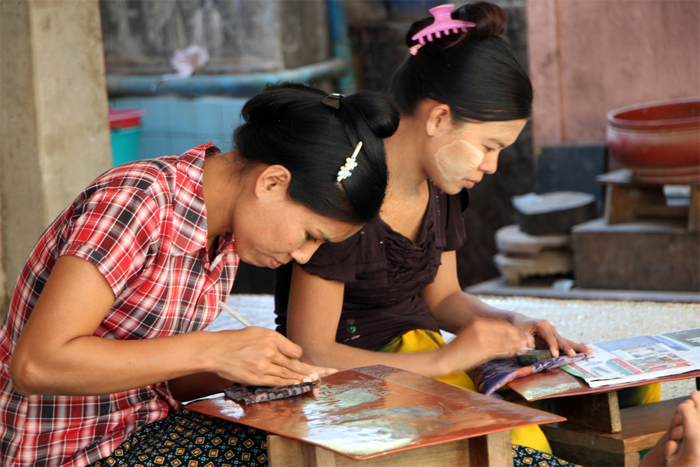 Discover how to make Lacquerwares in Myinkaba Village, Bagan